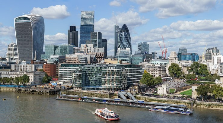 1200px-City_of_London_skyline_from_London_City_Hall_-_Sept_2015_-_Crop_Aligned